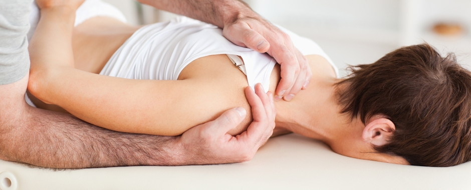 shoulder blades pain